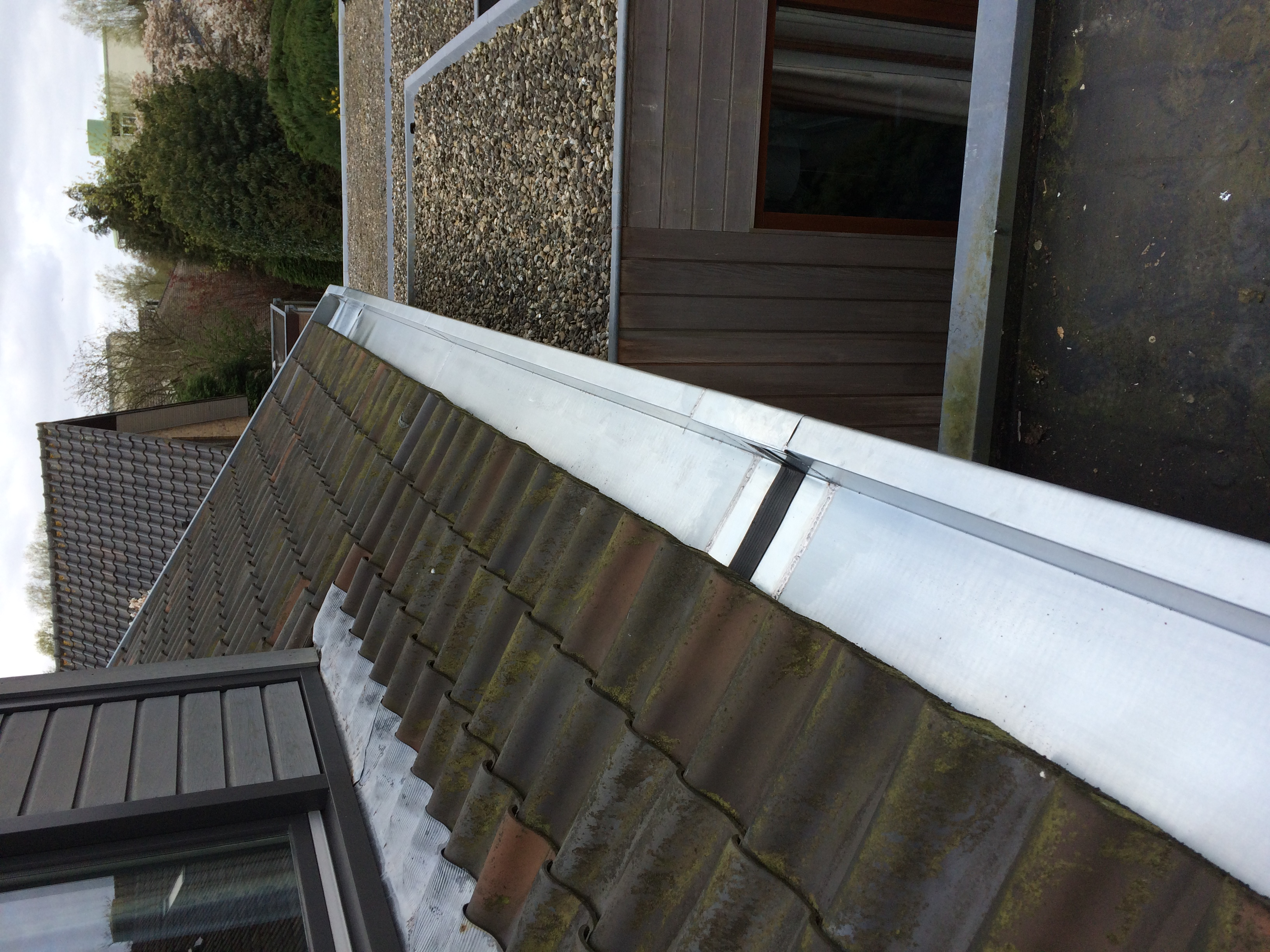zinken dakgoot woonhuis homma loodgieters